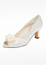 Sweet Satin Upper Peep Toe Chunky Heel Bridal Shoes With Handmade Flower & Rhinestones