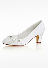 Eye-catching Lace Round Toe Chunky Heel Wedding Shoes
